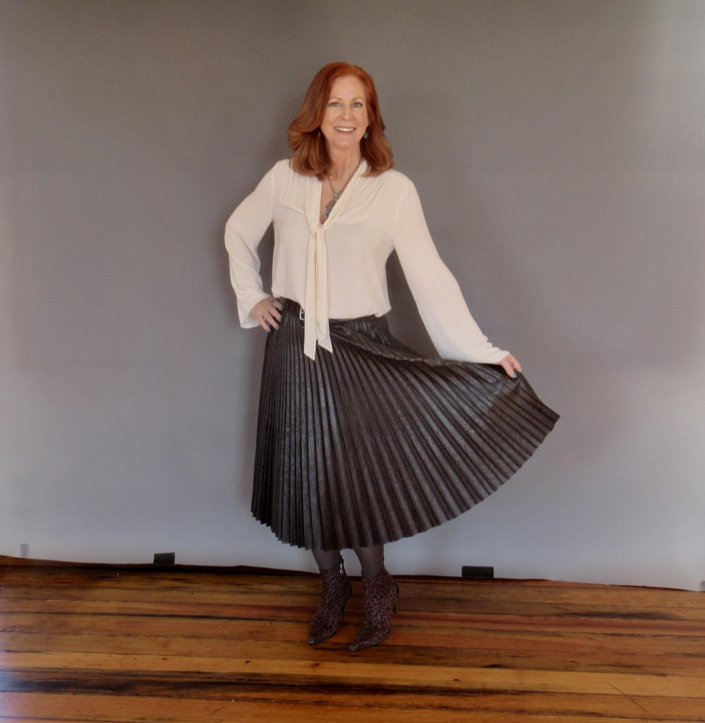 Can I Wear an Accordion Pleated Skirt When I Have a Full Midsection?